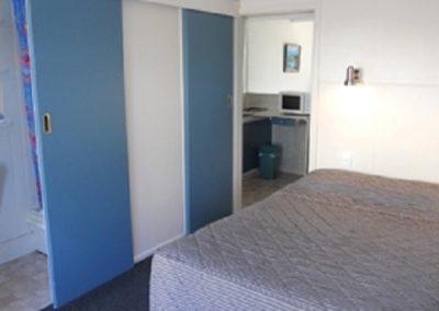 1bedroom2